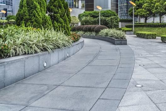 Flagstone paving pedestrian precinct